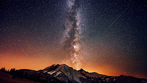 Milkyway above the mountains